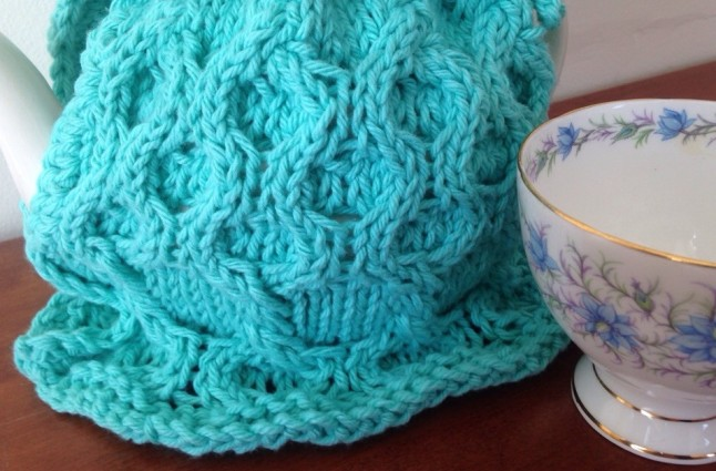 Bumble Berry Teapot Cover