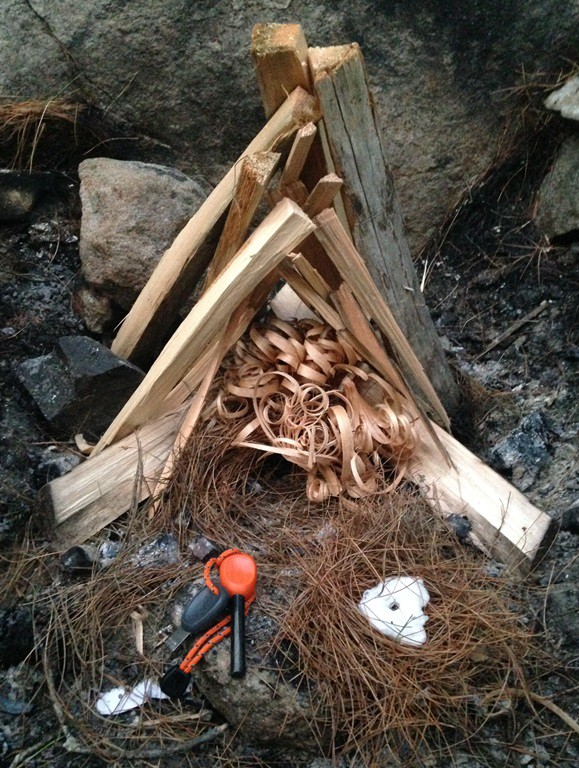 Bushcraft traditional fire setup