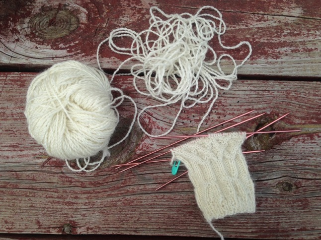 Fingerless snowdrop cabled gloves progress